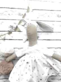 Pani królik z wyszytym imieniem lalki peppofactory przytulanka
