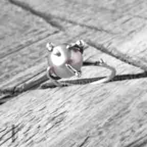 Wild pearl - atomic pink i srebrny pierścionek z perłą