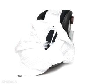 Kocyk do fotelika nosidełka kolibry biały dla dziecka pracownia