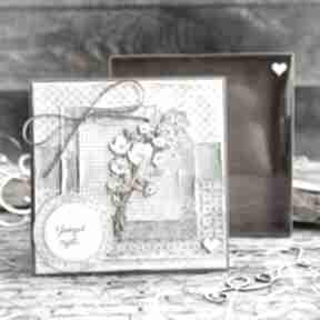 Naturalna kartka w pudełeczku z efektem szklanej szybki zielnik
