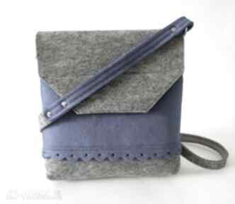 Filcowa torebka z falbanką - 2 kolory szara niebieskim na ramię
