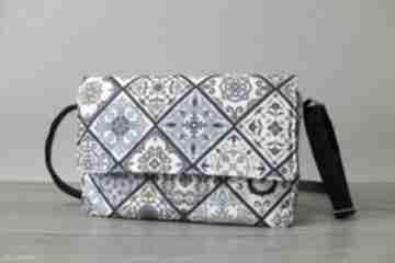 Listonoszka z klapką - kafelki mozaika na ramię torebki