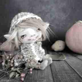 Małpiatka - lalka kolekcjonerska figurka tekstylna ręcznie szyta