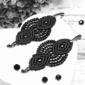 Eleganckie, czarne kolczyki wiszące, z dodatkiem srebra