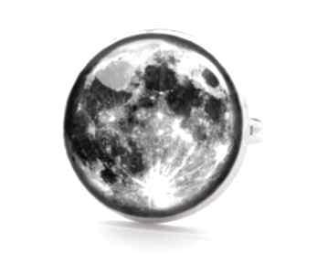 Pełnia księżyca pierścionek regulowany księżyc kosmiczny ręcznie