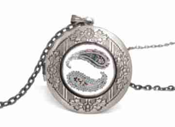 Nerki sekretnik łańcuszkiem orientalny medalion prezent orient
