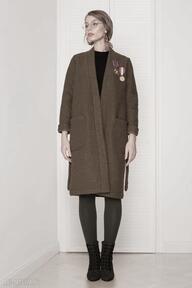 Wełniany sweter płaszcz z psem płaszcze kasia miciak design