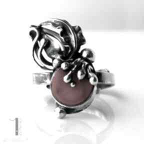 Wildberry ring srebrny pierścionek z koralem miechunka koral