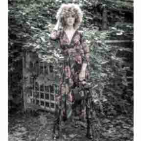 Amelia - królowa róża rozkloszowana sukienka sukienki milita