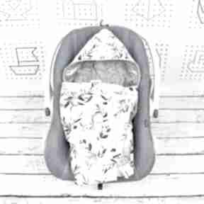 Kocyk do nosidła samochodowego woodland dla dziecka nuvaart