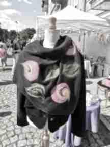Czarna chusta handmade wełniana, elementy filcowane to wełna