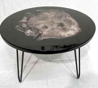 Okrągły stolik kawowy z żywicą stoły andrzej kasprzak stolik
