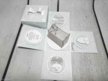Eksplodujące pudełeczko z łóżeczkiem kartki the scraper pudełko,
