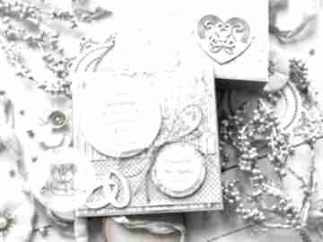 Piękna kartka w pudełku z okazji ślubu personalizowany prezent