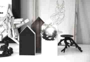 Pod choinkę prezent. 3 domki z wiankiem dekoracje wooden love