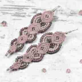 Eleganckie idługie, czerwone kolczyki z koralików - makrama