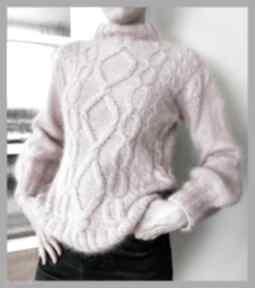 Kaszmirowy sweter w kolorze lodów truskawkowych swetry soie