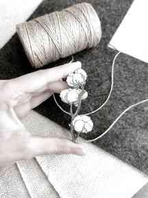 Broszka gałązka bawełny broszki homemade by n bawełna, drewno