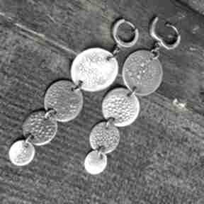 Treendy kolczyki długie, wiszące, srebrne, metaloplastyka srebro