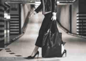 Bags Philosophy. czarn torebka zamszowa z-personalizacją