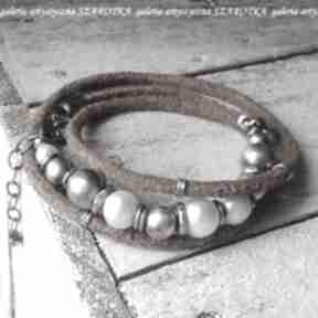 Klasyka na surowo bransoletka z pereł, rzemienia i srebra