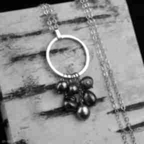 Delikatny naszyjnik w kształcie koła z perłami srebro naszyjniki