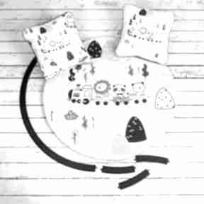 Ciuchcie welurowa mata do zabawy oraz dwie poduszki pokoik