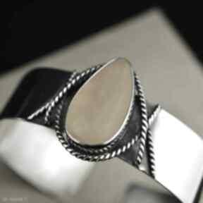 Sztywna bransoleta z bursztynem srebro barbara fedorczyk