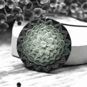 Wisiorek mandala w odcieniach zieleni wisiorki kameleon mandala