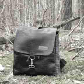 Plecak z klapką czarny wzorek eco skóra godeco plecak, klapka