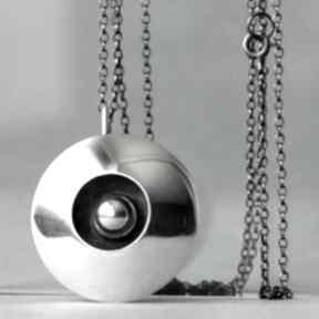 Duży polerowany wisior srebrny, zawieszka ze srebrną kulką