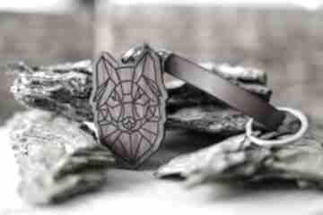 Brelok do kluczy wilk origami z drewna orzech brązowa skóra
