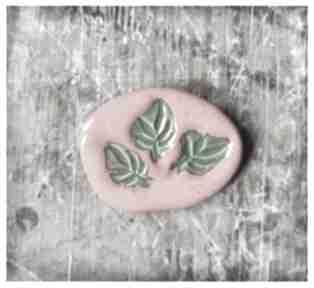 Broszka z listkami broszki wylegarnia pomyslow ceramika, broszka