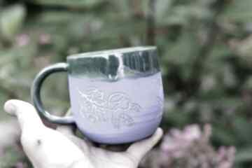 Ciekawy duży kubek ceramiczny wnętrze niebieskie błyszczące