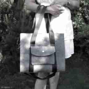 na ramię. Designerska duża torba z filcu - szara - z kieszonką