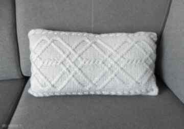 poduszki! Jasnoszara warkoczowa poduszka