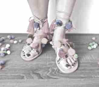 buty! 37 - kolorowe rzymianki z pomponami w stylu boho