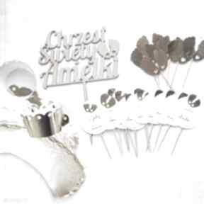 Średni zestaw ozdób na chrzest, roczek zaproszenie biala