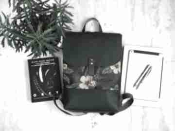 Plecak w kwiaty fabrykawis na laptopa, damski plecak, do pracy