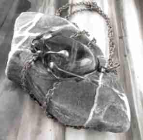 wisiorki. Naszyjnik: wisiorek z łańcuszkiem ciemny