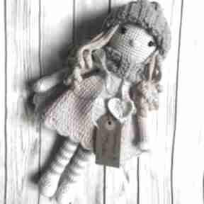 Szydełkowa lalka marysia lalki miedzy motkami babyshowe, chrzest
