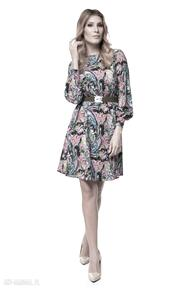 Sukienka zainab sukienki pawel kuzik kolorowa, jesienna, pióra