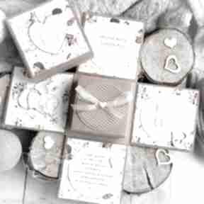 Eksplodujące pudełeczko - aniołek stróż w otoczeniu leśnych