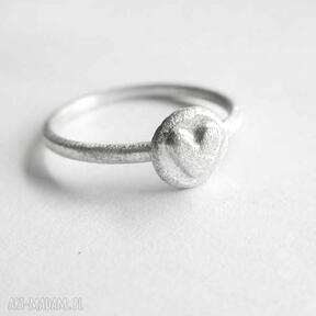 Serduszko pierścionek katarzyna kaminska serce, zmatowione,