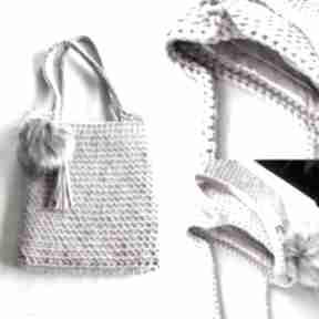 Torebka ze sznurka z pomponem i chwostem pudrowy róż torebki