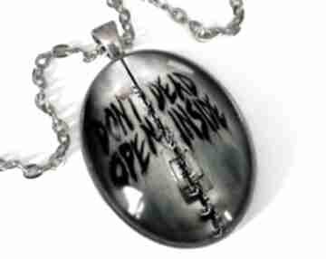 Dont open owalny medalion łańcuszkiem zombie halloween prezent