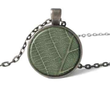 Liść medalion łańcuszkiem prezent liście wiosenna natura ręcznie