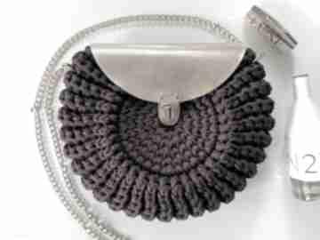 Torebka oreo szydełkowa handmade kolor śliwka na ramię