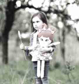 Lalka sszmacianka irenka opis pudełko lalki ateliermalegodesignu