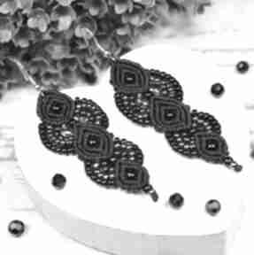 Długie, eleganckie kolczyki w odcieniach czerni, srebra
